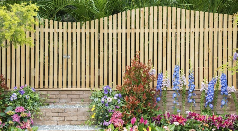 Does Your Fence Look as Beautiful as Your Landscaping?